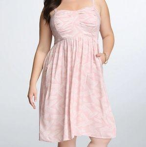 Torrid sz 4x pink feather pattern dress